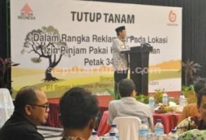 PESAN LINGKUNGAN : Bupati Tuban, Fathul Huda saat menyampaikan sambutan acara Reklamasi PT Semen Indonesia