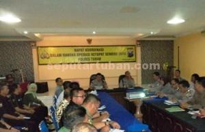 KESIAPSIAGAAN : Suasana rapat koordinasi Ops Ketupat Semeru 2015 di Aula Serbaguna Mapolres Tuban, Rabu (18/07/2015)