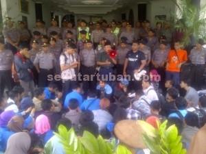 Demo Mahasiswa Unirow