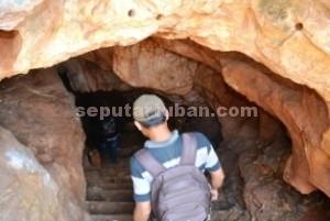 LEGENDA PUTRI ASIH: Secuil surga yang kini terkubur di bawah tegakan hutan jati petak 37 A, RPH Nguluhan, BKPH Mulyoagung, KPH Parengan ini, persisnya berada di Desa Nguluhan Kecamatan Montong.