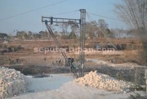 LENGKAP: Salah satu lokasi penambangan batu kumbung di wilayah Kecamatan Semanding.