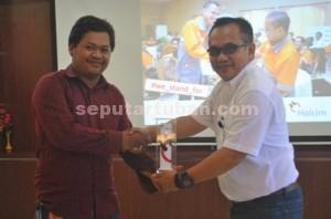 Pimpinan Umum seputartuban.com dan General Affairs dan Community Relation Manager PT. Holcim Indonesia Tbk, Pabrik Tuban, Trayudi Darma