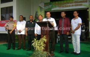 SEMARAK : Bupati Tuban, Fathul Huda saat menyampaikan sambutan pembukaan pameran didampingi Forpimda