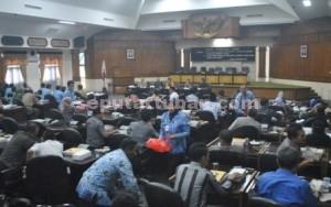 Suasana rapat gabungan legislatif dan eksekutif