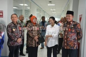 Wabup, Menteri BUMN dan Bupati Tuban saat di PT TPPI