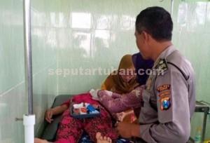 Dirawat : Korban yang disambar petir saat mendapat perawatan medis di Puskesmas Montong