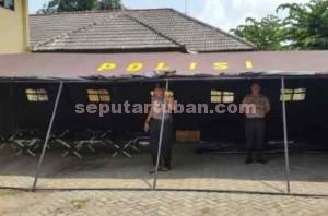 Maksimal : Inilah yang dipakai personil Polres Tuban dalam menjalankan tugas pengamananya di Gudang Logistik KPU Kab. Tuban