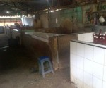 MOGOK JUALAN : Kondisi lokasi jualan pedagang daging di Pasar Baru Tuban sepi