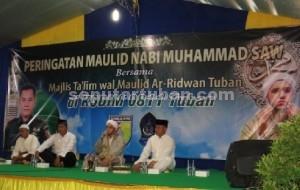 BIMBINGAN ROHANI : Dandim dan Kasdim 0811 Tuban bersama Habib Husein saat Maulid Nabi Muhammad SAW di Halaman Kodim 0811 Tuban