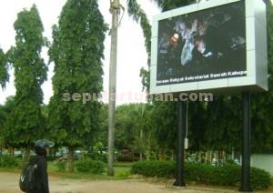 MAHAL : Inilah videotron Pemkab Tuban yang menghabiskan anggaran sekitar Rp. 400 juta