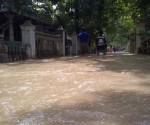 PERLU BANTUAN : Kondisi pemukiman warga dikepung banjir luapan Kali Kening
