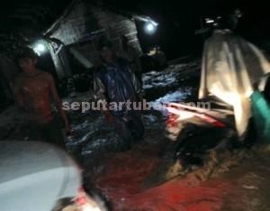 MACET PARAH : Kondisi badan jalan Pantura Tuban-Babat yang sedang diterjang banjir bandang
