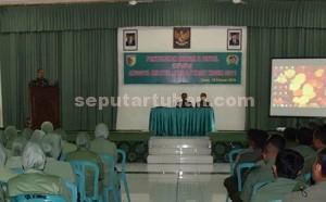 BERKALA DILAKUKAN : Dandim 0811 Tuban, Letkol Inf. Sarwo Supriyo saat menyampaikan sambutan