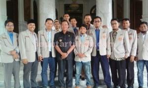 SARAN : Bupati Tuban bersama PDPM Tuban foto bersama usai bertemu