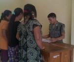DIAMANKAN : Perempuan yang ditengarai menjadi PSK saat di Kantor Sat Pol PP Pemkab Tuban usai diamankan dari kawasan Gandul