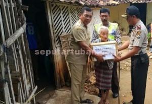 PEDULI SESAMA : Program Peduli Kasih Polres Montong sangat memberikan dampak positif bagi penerima bantuan maupun masyarakat sekitar