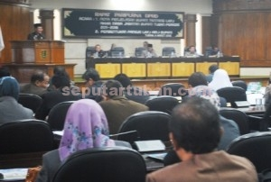 Paripurna Nota Penjelasan LKPJ Bupati Akhir Masa Jabatan Periode 2011-2016