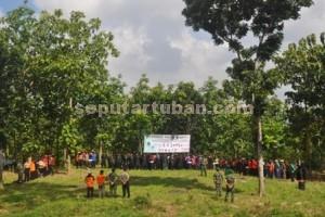 KOMPAK : Pimpinan kecamatan, media dan lintas masyakatat mengawali program Pohon Asuh menyelamatkan lingkungan dan sumber mata air