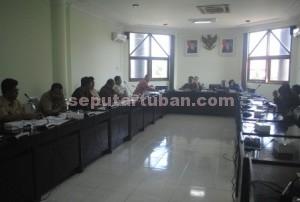 STOP REHAB : Raker Komisi D DPRD Tuban dengan Pengurus TITD Kwan Sing  Bio dan Dinas Terkait