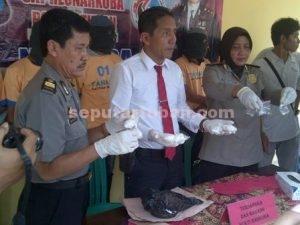 BANYAK TERSANGKA : Saat rilis pers di Mapolres Tuban penangkapan pengedar Narkoba