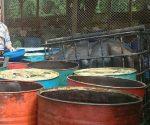 Barang bukti solar ilegal di halaman belakang Mapolres Tuban
