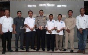 Pengurus LDP KumHam saat di Polres Tuban usai pertemuan