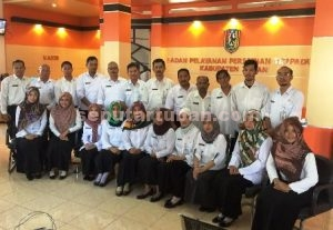 Foto bersama pegawai BPPT Tuban