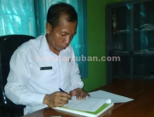Kades Rahayu, Sukisno di ruang kerjanya