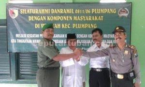 KOMPAK : Pimpinan dan tokoh Kecamatan Plumpang foto bersama usai kegiatan