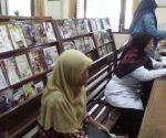 RAMAI PENGUNJUNG : Suasana Perpustakaan Umum Pemkab Tuban pengunjungnya meningkat saat Ramadan