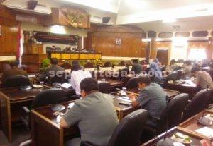 Rapat Paripurna DPD Tuban dengan agenda nota penjelasan terhadap KUA-PPAS PAPBD 2016
