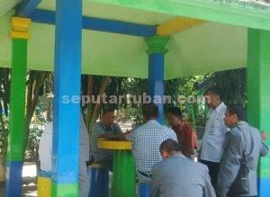 DATANGI WISATA : Komisi B DPRD Tuban saat kunjungan kerja ke wisata Bektiharjo