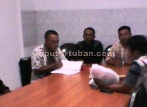 DITELITI : Perwakilan warga saat memberikan penjelasan kepada Ombudsman