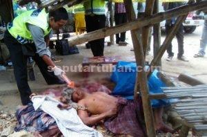 MENGENASKAN : Kondisi korban saat petugas melakukan olah tempat kejadian perkara