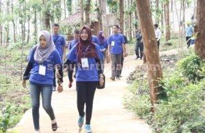 SERU : Para finalis Cung dan Nduk Tuban 2016 saat akan memasuki Gua Putri Asih