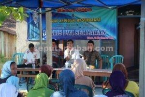 JADI TUMPUAN : Ir. Aris Dwi Setiawan saat memimpin reses bersama sejumlah tokoh masyarakat