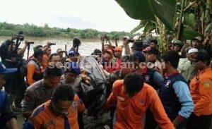 DITMUKAN : Pencarian tim gabungan membuahkan hasil, jasad santri yang tenggelam ditemukan