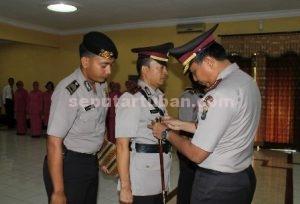 DIMUTASI : Serah terima jabatan Kasat Reskrim Polres Tuban dipimpin langsung oleh Kapolres Tuban, AKBP Fadly Samad