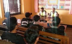 SELALU SIAGA : Pendekar Siaga saat mendapatkan pembinaan di Mapolsek Montong