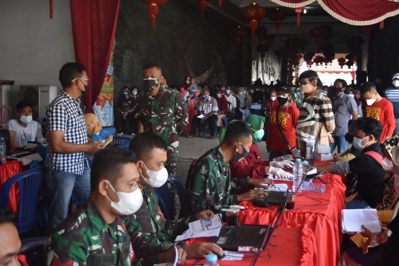 Serbuan Vaksin TNI