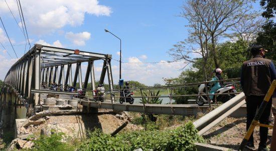 Jembatan Glendeng